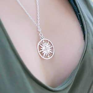 WOMEN'S CHAIN COMPASS NECKLACE